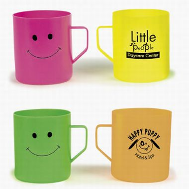 Molded Plastic Smile Face Mugs | Fun Impressions